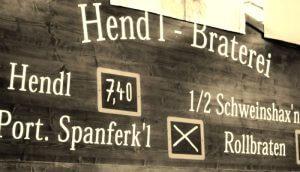 hendl-ausgabe auf dem barthelmarkt in oberstimm