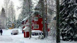 vamala im winter, finnland, schnee, rotes haus