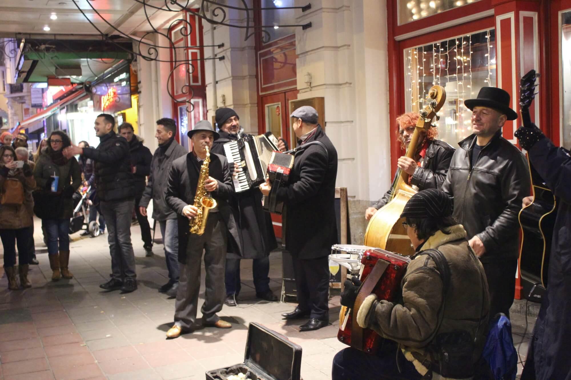 Straßenmusiker in Brüssel