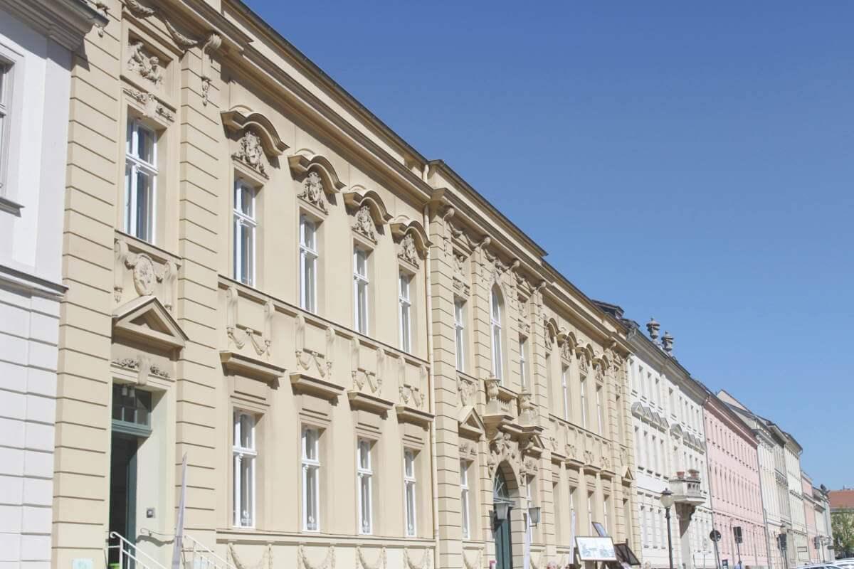 Alte Häuserfassaden in der Potsdamer Innenstadt