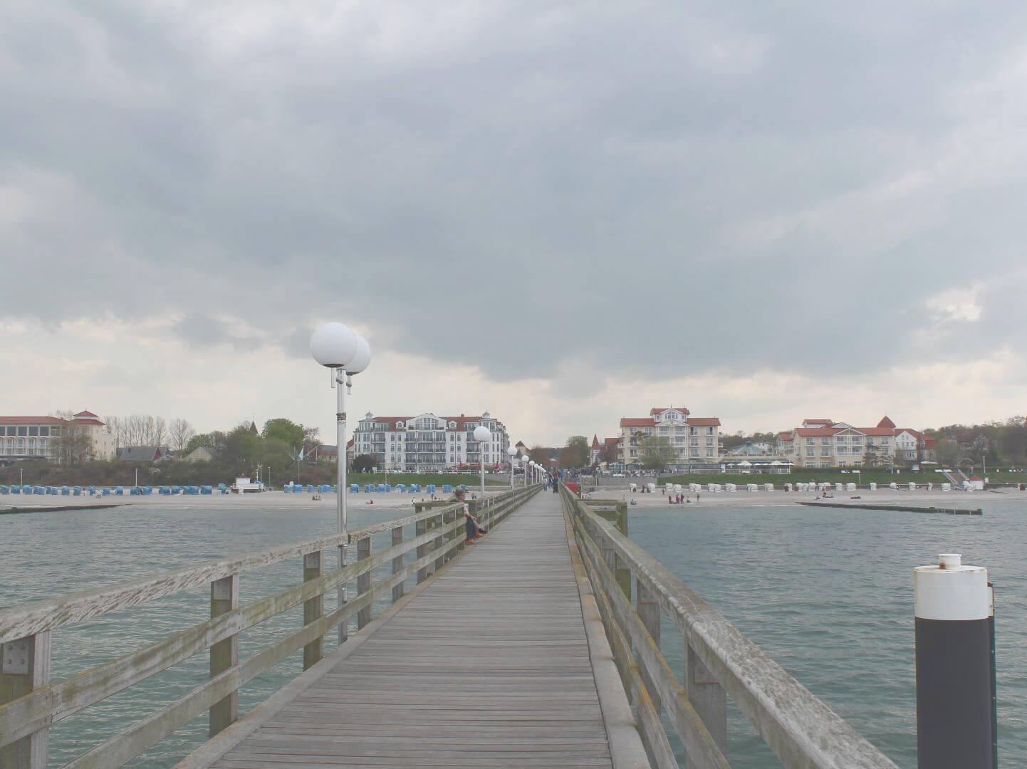 Seebrücke von Kühlungsborn, Blick Richtung Kurort