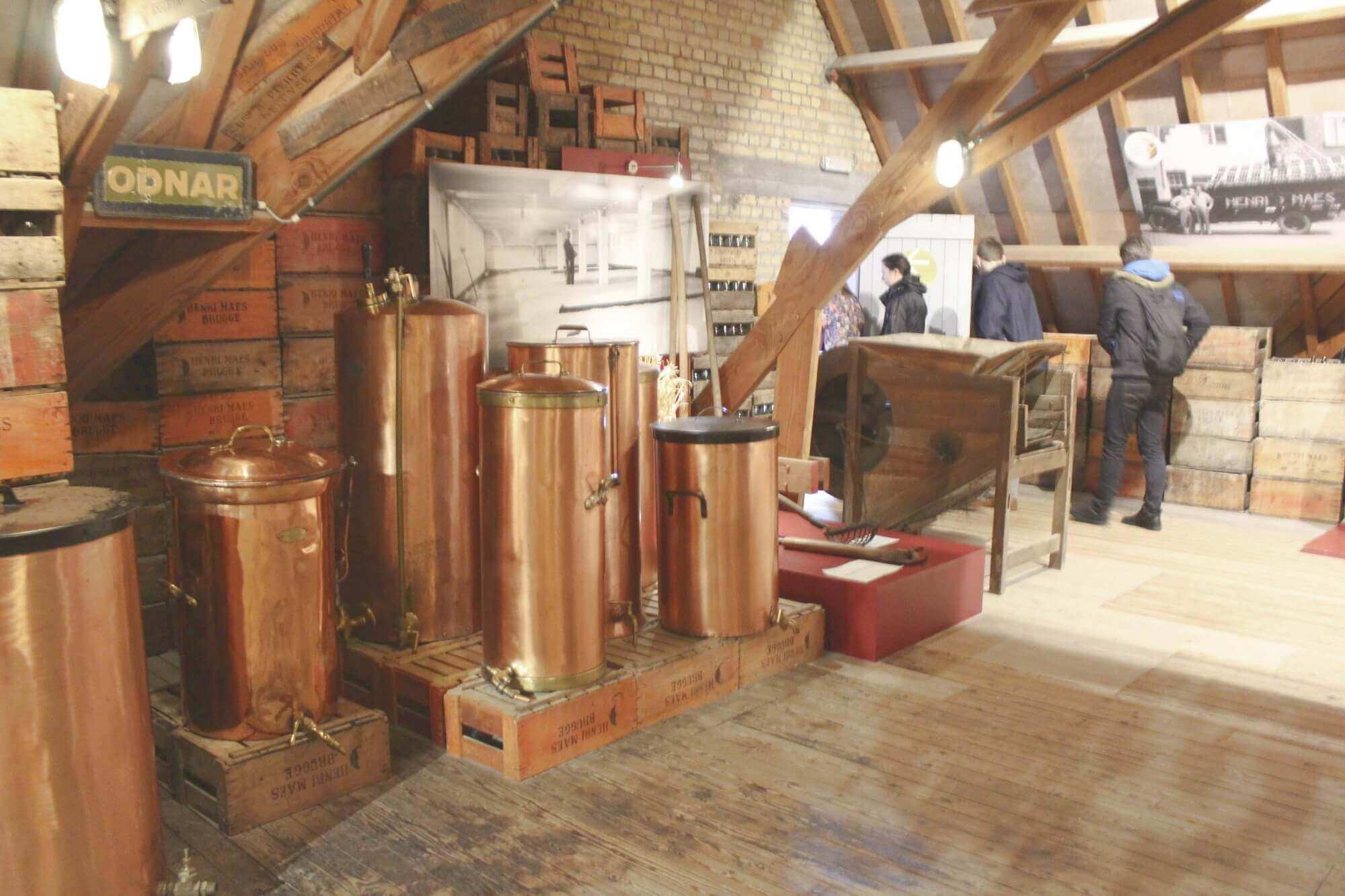 Alte Bierbrauutensilien in der Brüggener Brauerei De Halve Maan