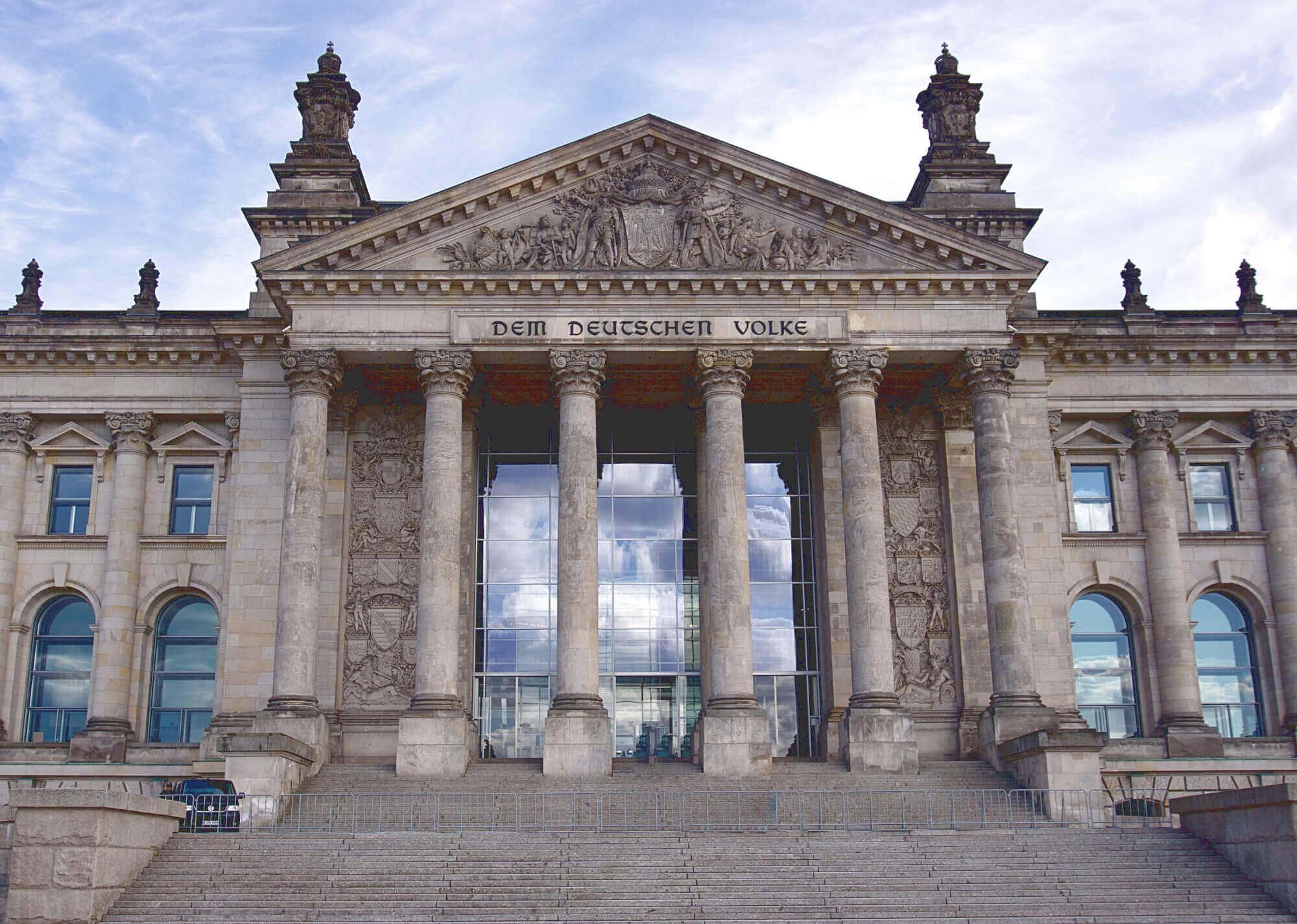 Frontansicht Reichstag