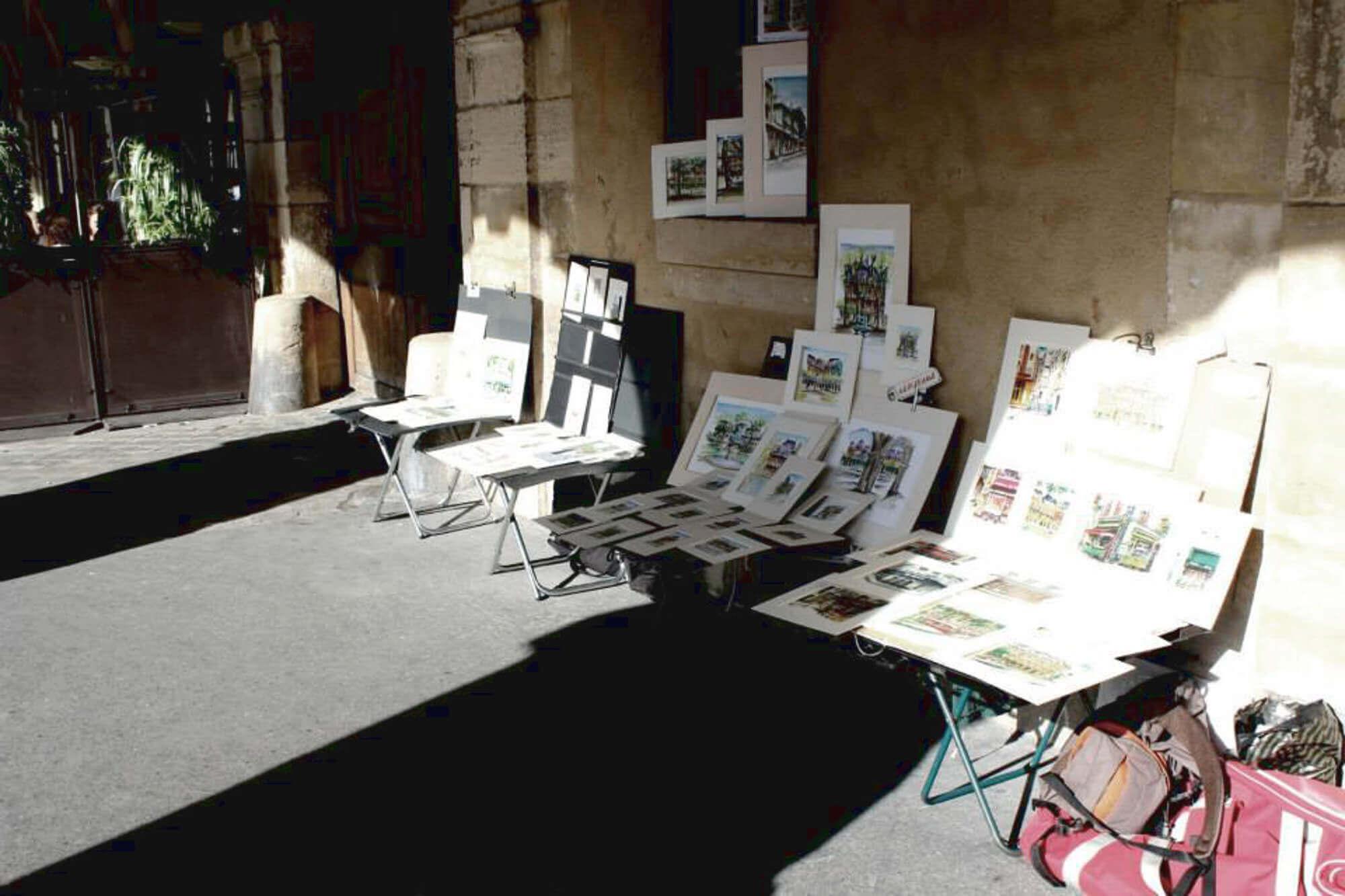 Straßenstand mit Bildern zum Verkauf in Paris