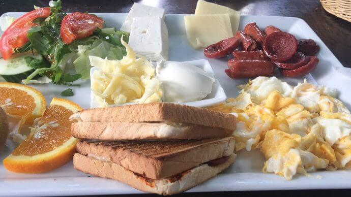 La Femme deluxe-Frühstück: herzhaftes türkisches Frühstück