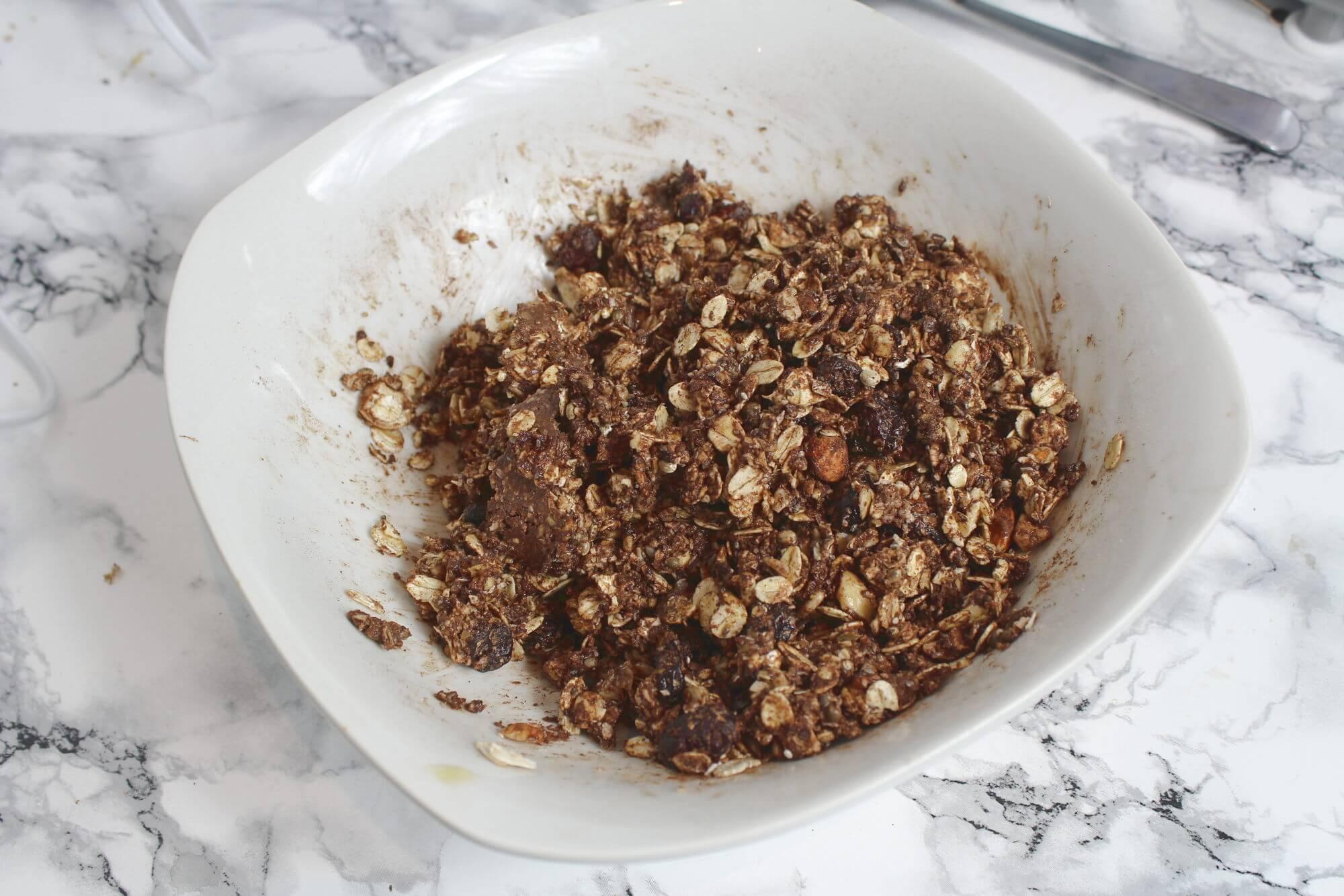 Knuspermüsli selber machen Zutaten vermischt