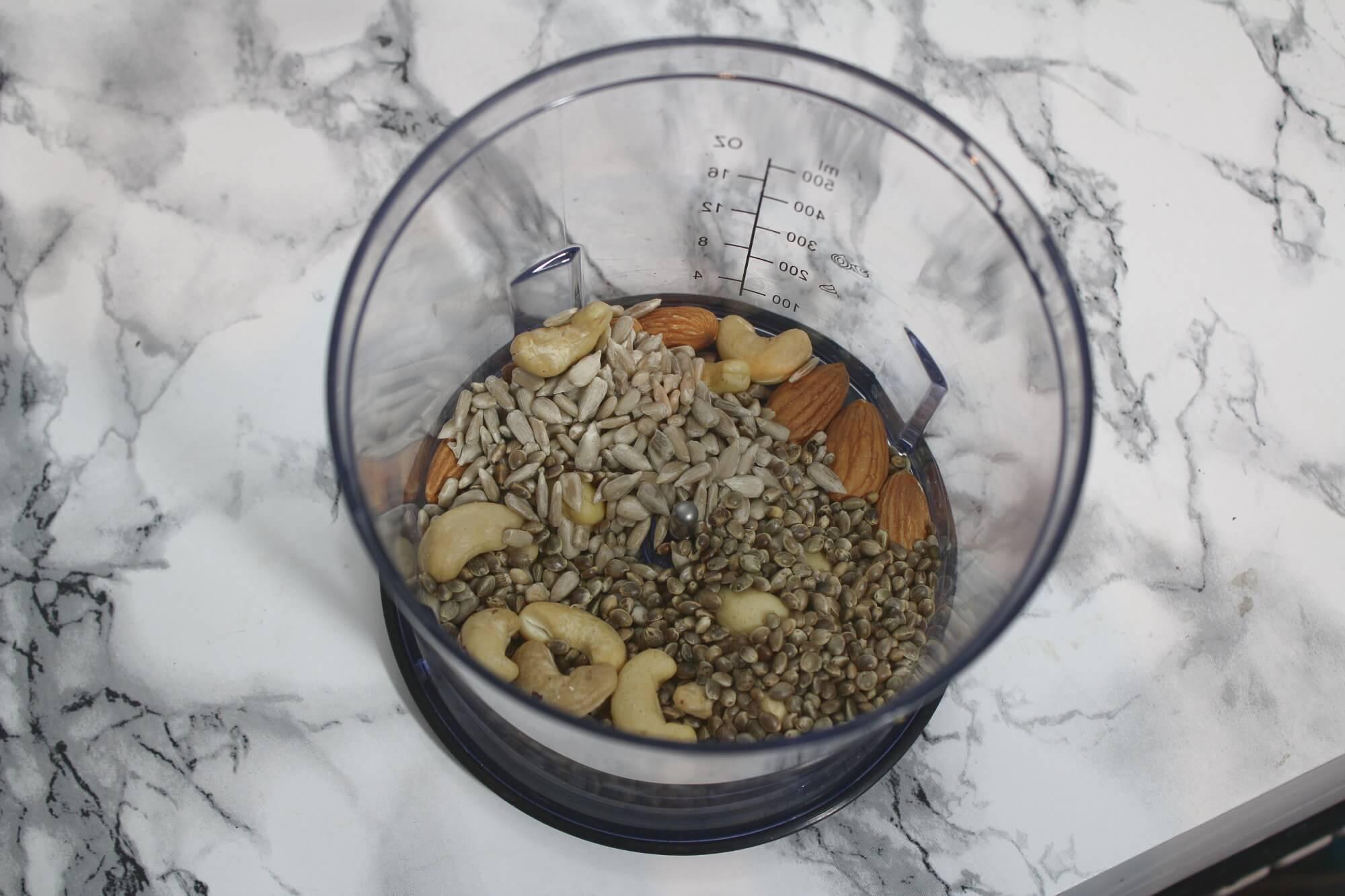Knuspermüsli selber machen: Nussmischung als Zutaten