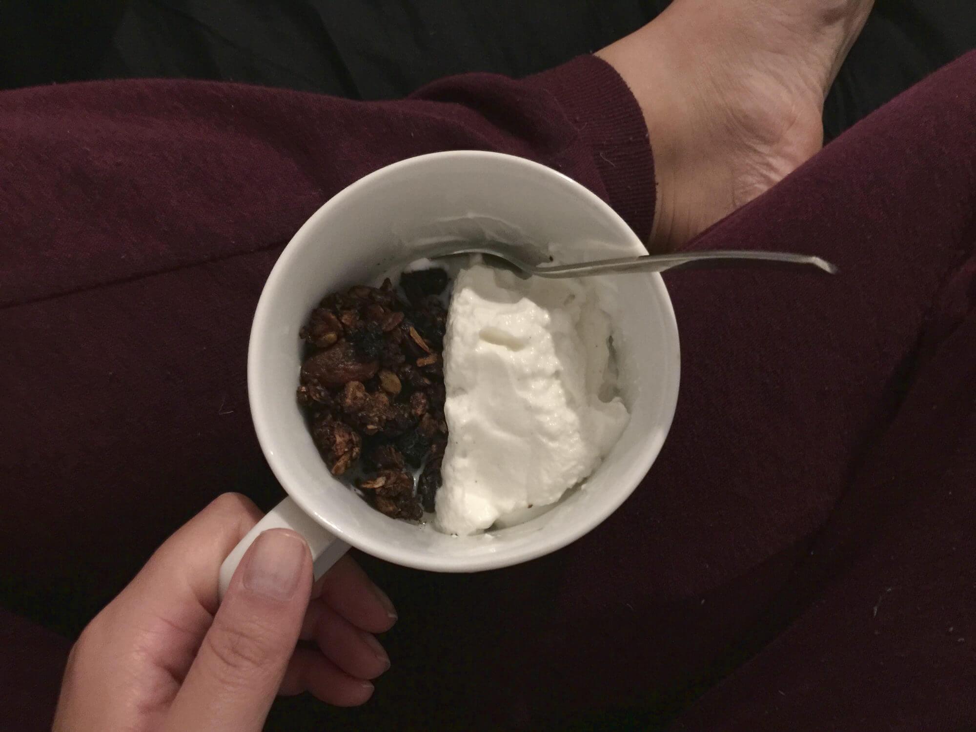 Selbst gemachtes Knuspermüsli zum Frühstück