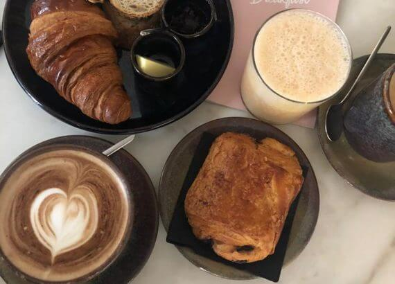 Frühstück im Dear Breakfast in Lissabon