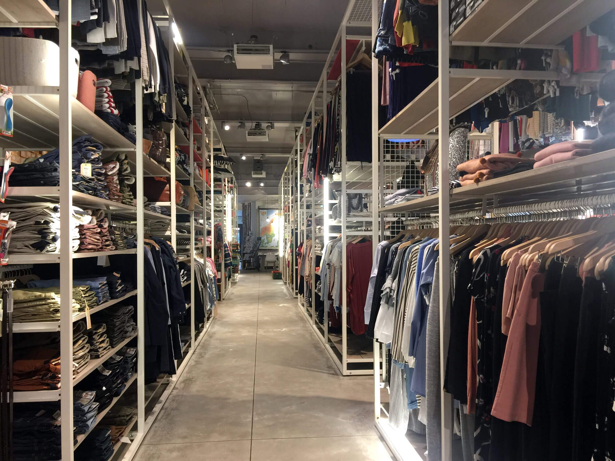 Shopping in Antwerpen: Moose and the City
