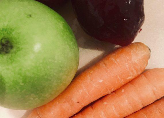 Apfel, Karotte, Rote Bete: Saftzutaten fürs Saftfasten