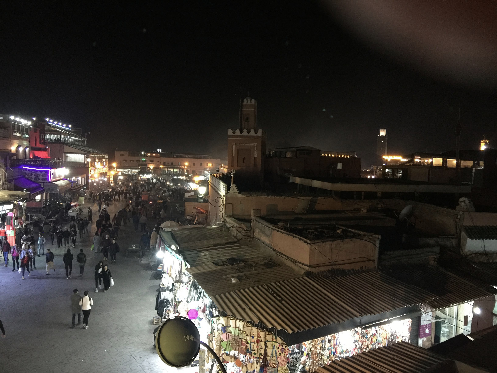 Sehenswürdigkeiten Marrakesch: Djemna de Fna bei Nacht