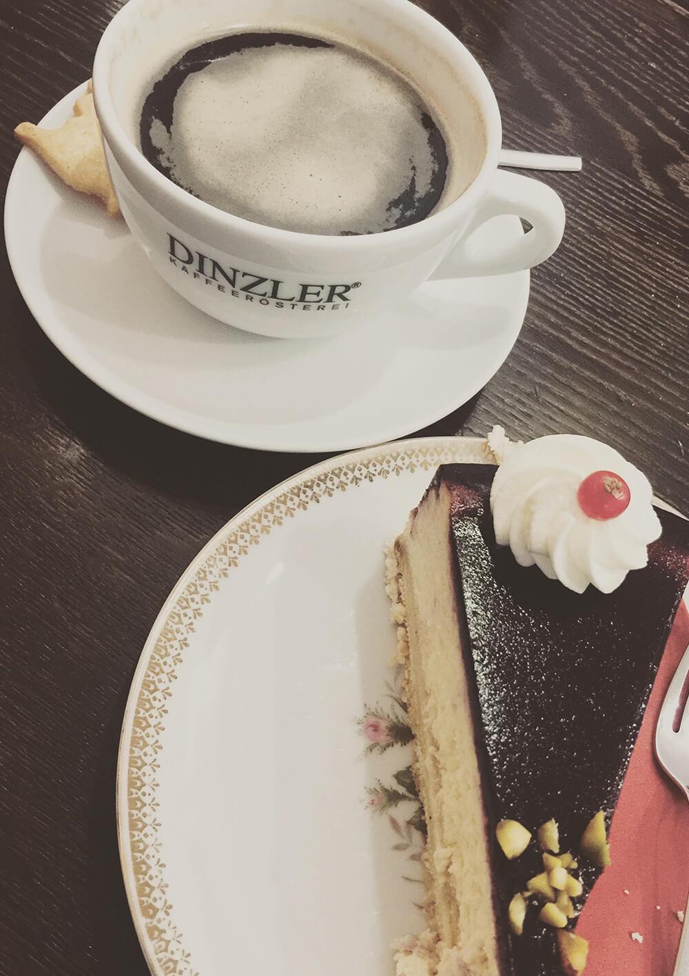 Kuche im Café Kate's in Neuburg an der Donau