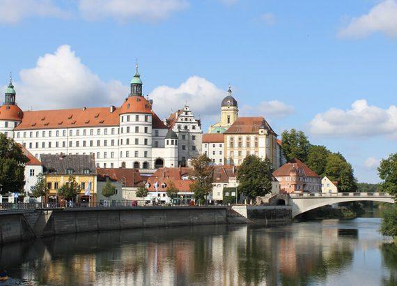 Blick auf Schloss von Neuburg an der Donau