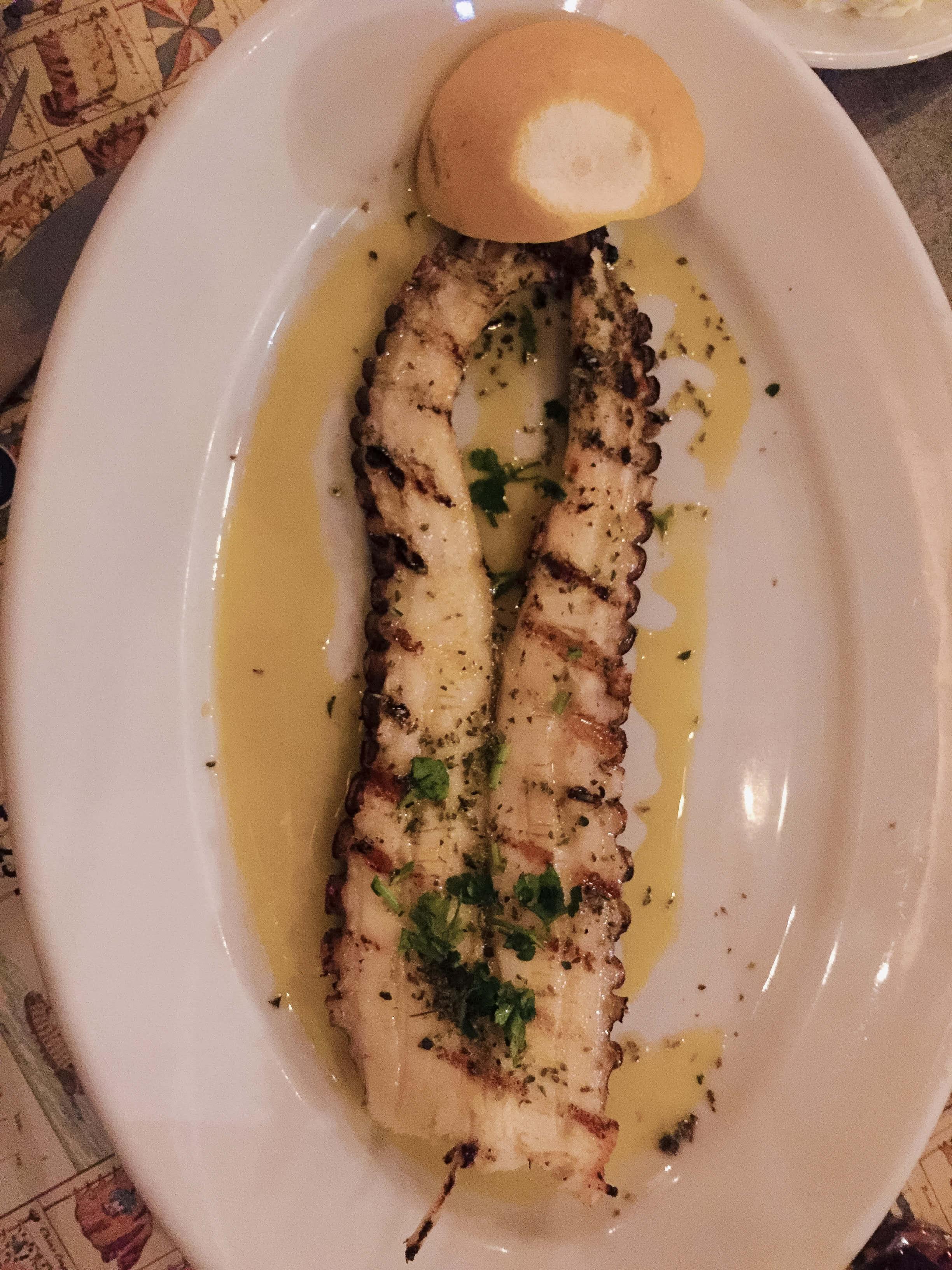 Gegrillter Tintenfisch im Nautalis in Thessaloniki