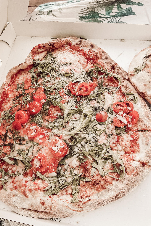 Pizza von Pizza Nostra