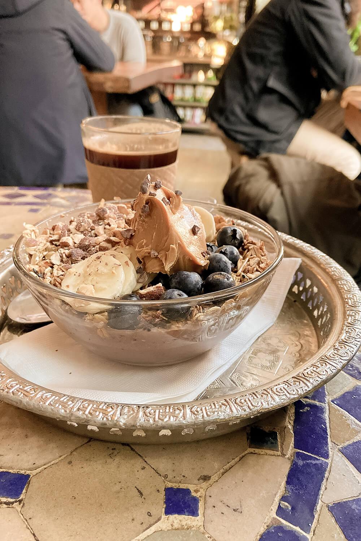 Breakfastbowl im Pause Café in New York