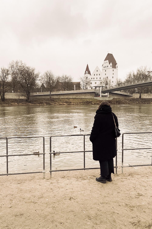 Donaustrand Ingolstadt mit Blick aufs neue Schloss
