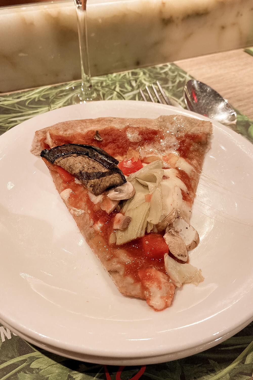 Vegane Mehrkorn-Gemüse-Pizza von Vapiano