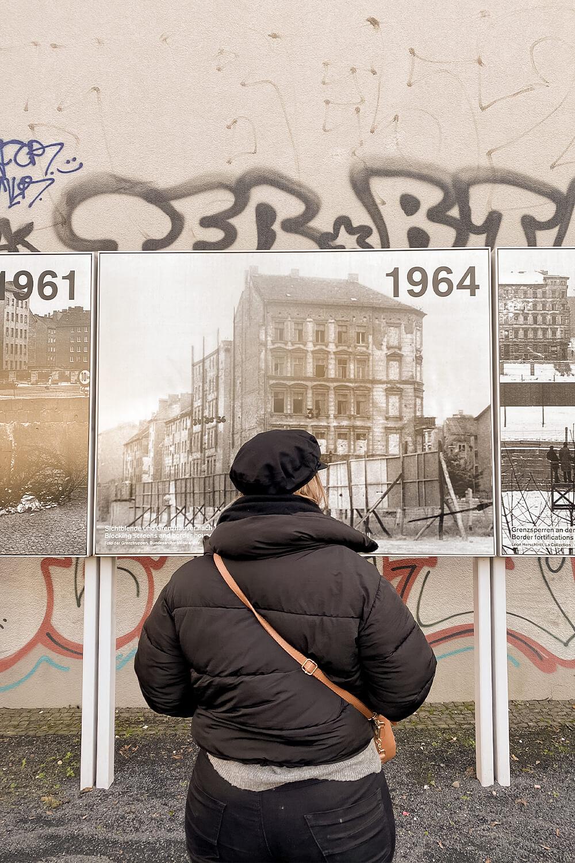 Infotafeln an der Gedenkstätte Berlin Mauer im Prenzlauer Berg