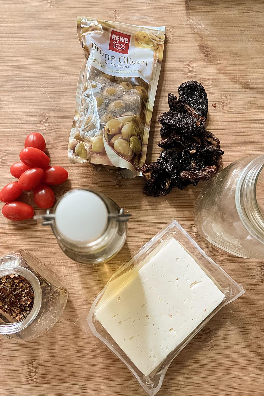 Zutaten für griechische Antipasti