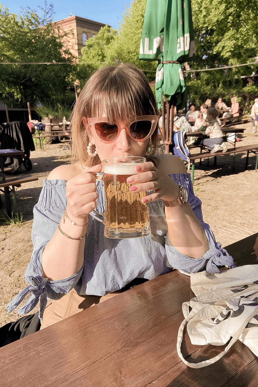 Biertrinken im Biergarten