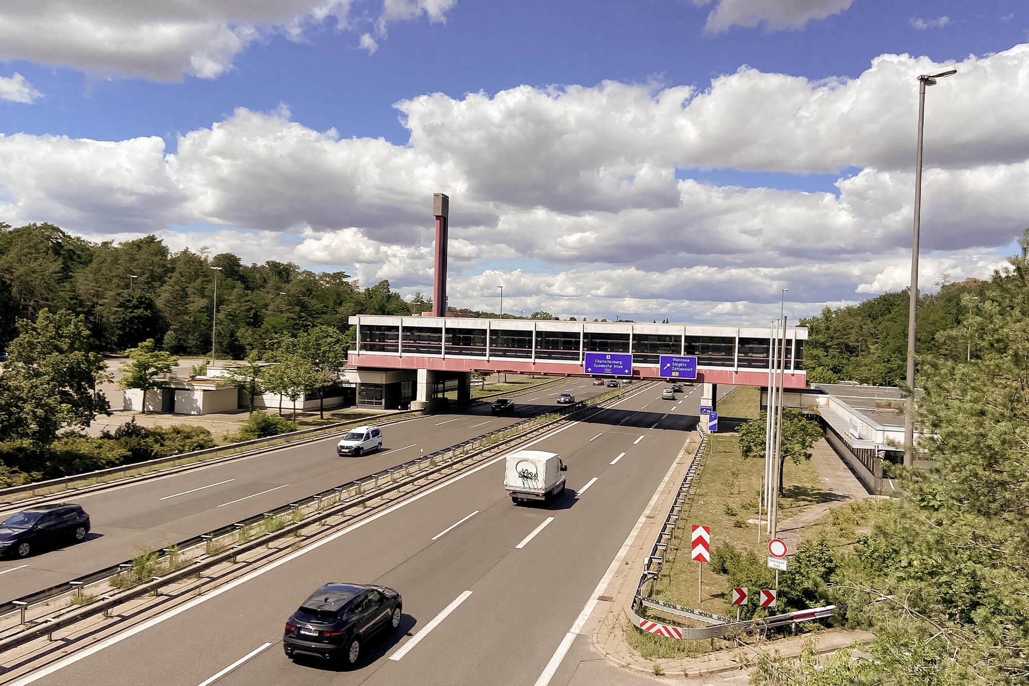 Grenzposten Dreilinden am Berliner Mauerweg