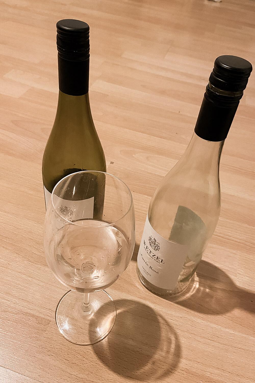Weinkontor Wetzel Weißwein Blanc de Noirs im Glas