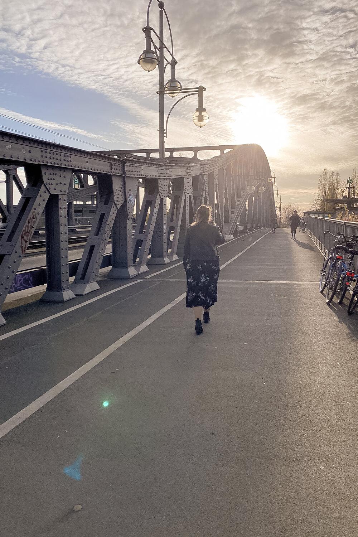 Blick auf die Bösebrücke im Sonnenuntergang
