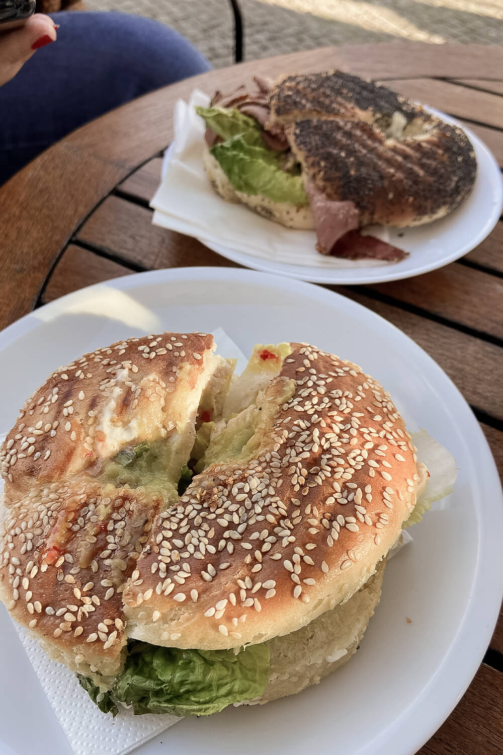 Hot Mexican & Pastrami New York Style Bagel im Bagels & Coffee in Potsdam