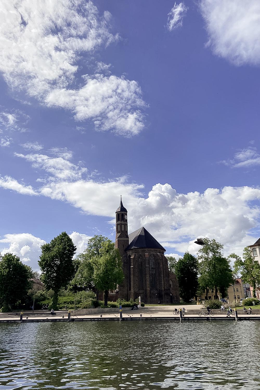 Blick auf die Havel und den Dom in Brandenburg an der Havel