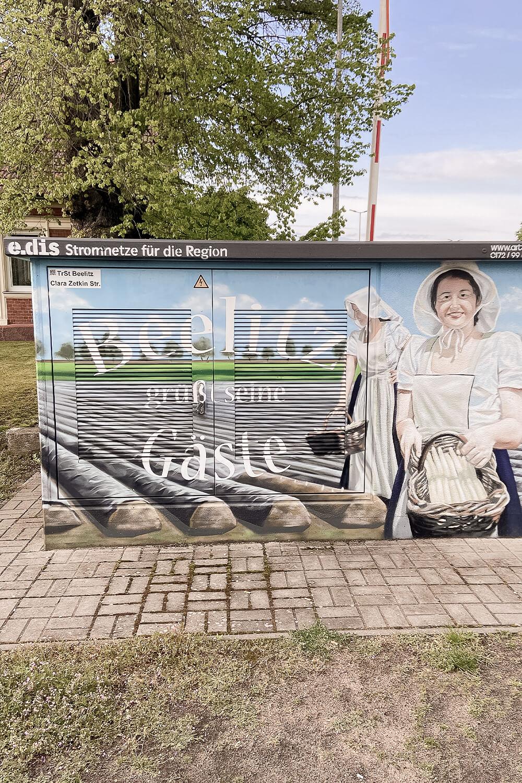 Gemälde auf Stromkasten in Beelitz