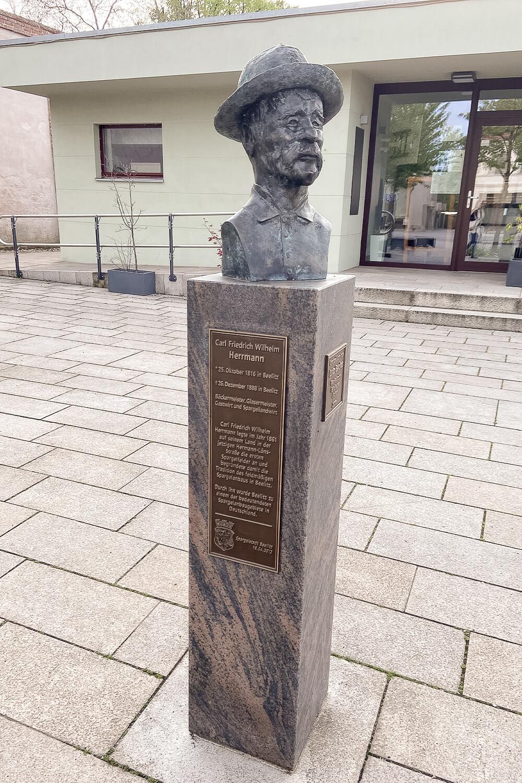 Statue Carl Hermann in Beelitz