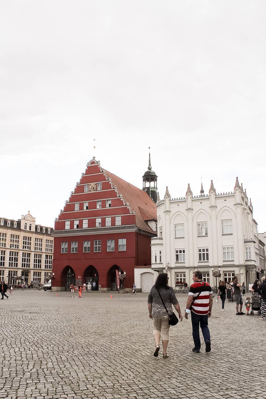 Marktplatz mit Rotem Rathaus in Greifswald