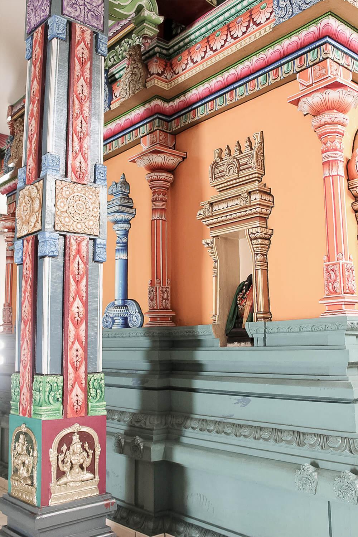 Bunte Innenausgestaltung des Hindu-Tempels in Hamm